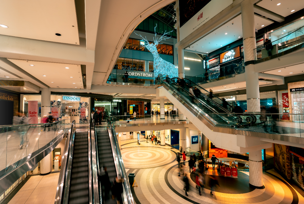 Bank real estate investor from Wolfsburg buys two shopping centres